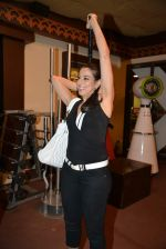 Pooja Bedi at Inch by Inch launch in Versova, Mumbai on 28th Feb 2014 (43)_53118d573ba1b.JPG