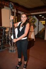 Pooja Bedi at Inch by Inch launch in Versova, Mumbai on 28th Feb 2014 (45)_53118d5805aa8.JPG