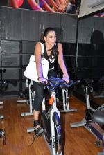 Pooja Bedi at Inch by Inch launch in Versova, Mumbai on 28th Feb 2014 (47)_53118d58b4fed.JPG
