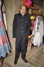 Tinnu Anand at Urvashi Kaur_s collection launch in Ensemble, Mumbai on 28th Feb 2014 (92)_53118bec5c08a.JPG
