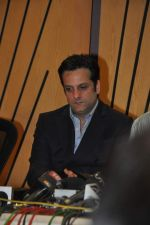Fardeen Khan with celebs protest Subrata Roy_s arrest in Mumbai on 2nd March 2014 (11)_53141c3cc060e.JPG