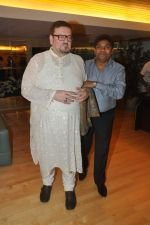 Johnny Lever, Nitin Mukesh with celebs protest Subrata Roy_s arrest in Mumbai on 2nd March 2014 (48)_53141e1f19fae.JPG