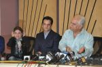 Sapna Mukherjee, Ramesh Sippy, Fardeen Khan with celebs protest Subrata Roy_s arrest in Mumbai on 2nd March 2014 (27)_53141cf9bedc5.JPG