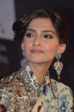 Sonam Kapoor announces 3rd L_Oreal Paris Femina Women Awards in ITC, Parel, Mumbai on 3rd March 2014 (22)_531578466cf44.JPG