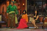 Sunny Leone, Ekta Kapoor on the sets of Comedy Nights with Kapil in Filmcity, Mumbai on 4th March 2014 (35)_5316c721ce951.JPG