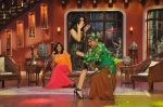 Sunny Leone, Ekta Kapoor on the sets of Comedy Nights with Kapil in Filmcity, Mumbai on 4th March 2014 (45)_5316c722bc4c9.JPG