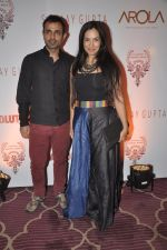 Shraddha Nigam, Mayank Anand at the Viewing of In an Artists Mind - IV presented by Reshma Jani and Shwetambari Soni of Gallerie Angel Art along with Sanjay Gupta on 6th March 2014 (63)_5319ab414a84c.JPG