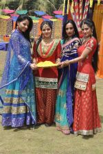 Shefali Sharma, Neha Bagga, Suchitra Pillai at Colors Holi bash in Malad, Mumbai on 9th March 2014 (32)_531da2d359f02.JPG
