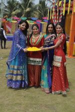 Shefali Sharma, Neha Bagga, Suchitra Pillai at Colors Holi bash in Malad, Mumbai on 9th March 2014 (34)_531da2d590339.JPG