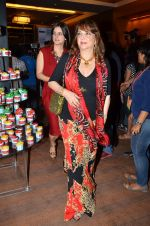 Zarine Khan at Manish Malhotra Show at LFW 2014 opening in Grand Hyatt, Mumbai on 11th March 2014 (249)_53200816a8c4c.JPG