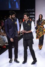 Ali Fazal walk for Digvijay Singh Show at LFW 2014 Day 1 in Grand Hyatt, Mumbai on 12th March 2014 (33)_53217d77df8fd.JPG