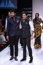 Ali Fazal walk for Digvijay Singh Show at LFW 2014 Day 1 in Grand Hyatt, Mumbai on 12th March 2014 (36)_53217d7915122.JPG