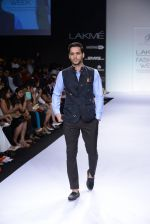 Model walk for Digvijay Singh Show at LFW 2014 Day 1 in Grand Hyatt, Mumbai on 12th March 2014 (100)_53217d9ea9d5e.JPG