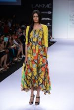 Model walk for Digvijay Singh Show at LFW 2014 Day 1 in Grand Hyatt, Mumbai on 12th March 2014 (32)_53217d84c7a3b.JPG