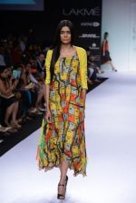 Model walk for Digvijay Singh Show at LFW 2014 Day 1 in Grand Hyatt, Mumbai on 12th March 2014 (33)_53217d8528e8f.JPG