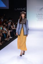 Model walk for Digvijay Singh Show at LFW 2014 Day 1 in Grand Hyatt, Mumbai on 12th March 2014 (95)_53217d9cb49a8.JPG