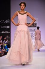Model walk for Jade Show at LFW 2014 Day 2 in Grand Hyatt, Mumbai on 13th March 2014 (115)_53219ef4a3bb2.JPG