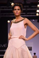 Model walk for Jade Show at LFW 2014 Day 2 in Grand Hyatt, Mumbai on 13th March 2014 (117)_53219ef56bd63.JPG