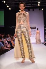 Model walk for Jade Show at LFW 2014 Day 2 in Grand Hyatt, Mumbai on 13th March 2014 (144)_53219f006f5e3.JPG