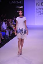 Model walk for KHEM Show at LFW 2014 Day 2 in Grand Hyatt, Mumbai on 13th March 2014 (7)_53219f2040aaa.JPG
