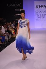 Model walk for KHEM Show at LFW 2014 Day 2 in Grand Hyatt, Mumbai on 13th March 2014 (80)_53219f3c6b11b.JPG