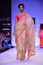Model walk for Mandira Bedi Show at LFW 2014 Day 2 in Grand Hyatt, Mumbai on 13th March 2014 (41)_53219f924dc0a.JPG