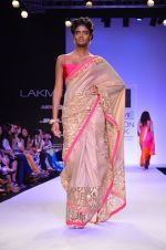 Model walk for Mandira Bedi Show at LFW 2014 Day 2 in Grand Hyatt, Mumbai on 13th March 2014 (43)_53219f9311932.JPG