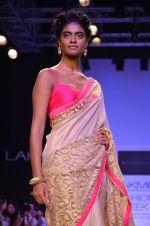 Model walk for Mandira Bedi Show at LFW 2014 Day 2 in Grand Hyatt, Mumbai on 13th March 2014 (45)_53219f93cedf0.JPG