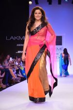 Model walk for Mandira Bedi Show at LFW 2014 Day 2 in Grand Hyatt, Mumbai on 13th March 2014 (67)_53219f9bcfb85.JPG