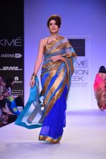 Model walk for Mandira Bedi Show at LFW 2014 Day 2 in Grand Hyatt, Mumbai on 13th March 2014 (83)_53219fa18c319.JPG