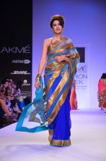 Model walk for Mandira Bedi Show at LFW 2014 Day 2 in Grand Hyatt, Mumbai on 13th March 2014 (84)_53219fa1e7bf6.JPG