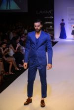 Model walk for Narendra Kumar Ahmed Show at LFW 2014 Day 1 in Grand Hyatt, Mumbai on 12th March 2014 (32)_532180a28d43d.JPG