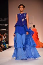 Model walk for Suman Nathwani Show at LFW 2014 Day 2 in Grand Hyatt, Mumbai on 13th March 2014 (100)_53219ff892372.JPG