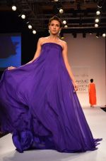 Model walk for Suman Nathwani Show at LFW 2014 Day 2 in Grand Hyatt, Mumbai on 13th March 2014 (108)_53219ffb8abf8.JPG