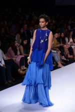 Model walk for Suman Nathwani Show at LFW 2014 Day 2 in Grand Hyatt, Mumbai on 13th March 2014 (30)_53219fdd9cc6b.JPG