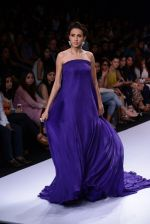 Model walk for Suman Nathwani Show at LFW 2014 Day 2 in Grand Hyatt, Mumbai on 13th March 2014 (34)_53219fdf41bbf.JPG