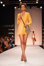 Model walk for Suman Nathwani Show at LFW 2014 Day 2 in Grand Hyatt, Mumbai on 13th March 2014 (48)_53219fe4c8caf.JPG