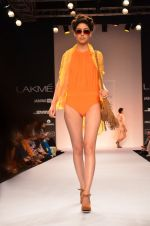 Model walk for Suman Nathwani Show at LFW 2014 Day 2 in Grand Hyatt, Mumbai on 13th March 2014 (59)_53219fe8c6232.JPG