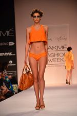 Model walk for Suman Nathwani Show at LFW 2014 Day 2 in Grand Hyatt, Mumbai on 13th March 2014 (61)_53219fe986030.JPG