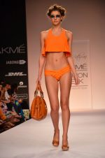 Model walk for Suman Nathwani Show at LFW 2014 Day 2 in Grand Hyatt, Mumbai on 13th March 2014 (62)_53219fe9dfa35.JPG