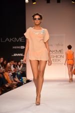 Model walk for Suman Nathwani Show at LFW 2014 Day 2 in Grand Hyatt, Mumbai on 13th March 2014 (65)_53219feb1288e.JPG