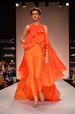 Model walk for Suman Nathwani Show at LFW 2014 Day 2 in Grand Hyatt, Mumbai on 13th March 2014 (97)_53219ff74dc2d.JPG