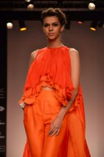 Model walk for Suman Nathwani Show at LFW 2014 Day 2 in Grand Hyatt, Mumbai on 13th March 2014 (98)_53219ff7b9e55.JPG