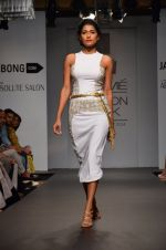 Model walk for Swagger by Saj Jabong Show at LFW 2014 Day 1 in Grand Hyatt, Mumbai on 12th March 2014 (190)_532183eed3e79.JPG