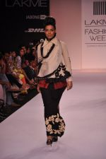 Model walk for VERB Show at LFW 2014 Day 2 in Grand Hyatt, Mumbai on 13th March 2014 (11)_53219ff1e3484.JPG