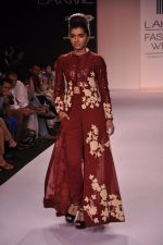 Model walk for VERB Show at LFW 2014 Day 2 in Grand Hyatt, Mumbai on 13th March 2014 (32)_53219ffa56919.JPG