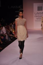 Model walk for VERB Show at LFW 2014 Day 2 in Grand Hyatt, Mumbai on 13th March 2014 (5)_53219fefaac91.JPG