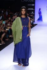 Model walk for Vaishali S Show at LFW 2014 Day 1 in Grand Hyatt, Mumbai on 12th March 2014 (14)_53218019a0ff4.JPG