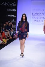 Model walk for Vaishali S Show at LFW 2014 Day 1 in Grand Hyatt, Mumbai on 12th March 2014 (63)_5321802dc3a45.JPG