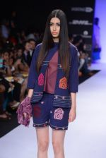 Model walk for Vaishali S Show at LFW 2014 Day 1 in Grand Hyatt, Mumbai on 12th March 2014 (67)_5321802f50cec.JPG
